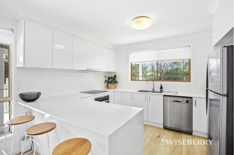 67 Warner Avenue, Tuggerawong NSW 2259, Image 2