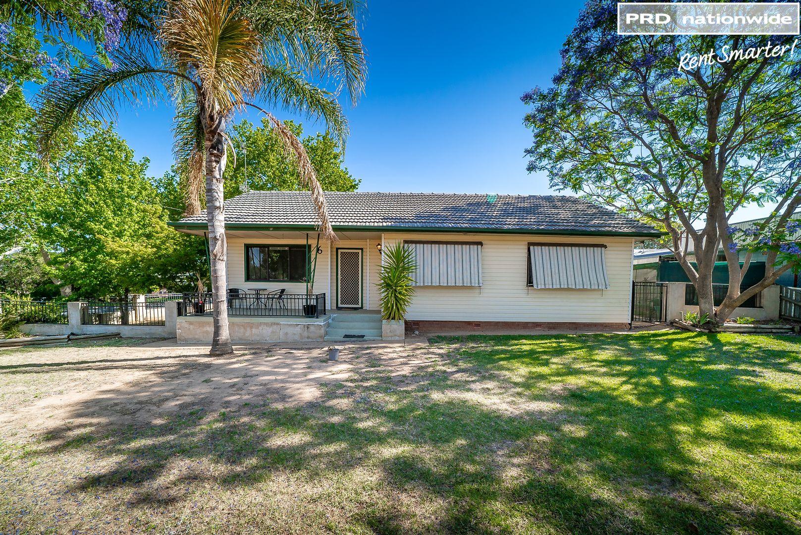 6 John Street, Kooringal NSW 2650, Image 0