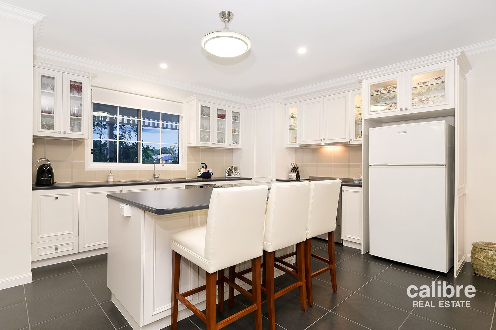 32 Springbrook  Place, Moggill QLD 4070, Image 2