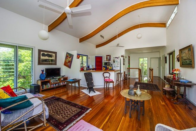 Picture of 6/106 Mandalay Ave, NELLY BAY QLD 4819