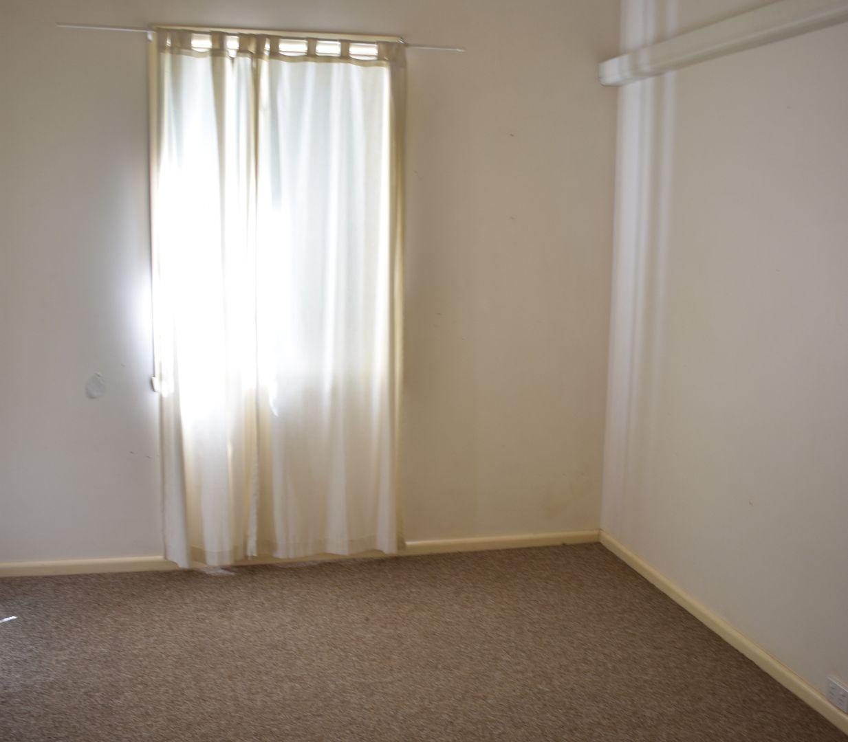17 Elizabeth Street, Parkes NSW 2870, Image 2