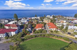 2/2 The  Crescent, Blue Bay NSW 2261