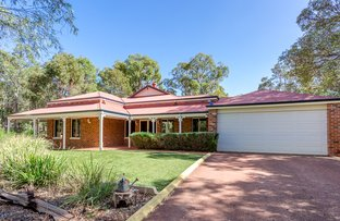 Picture of 2 Pridmore Place, Bedfordale WA 6112
