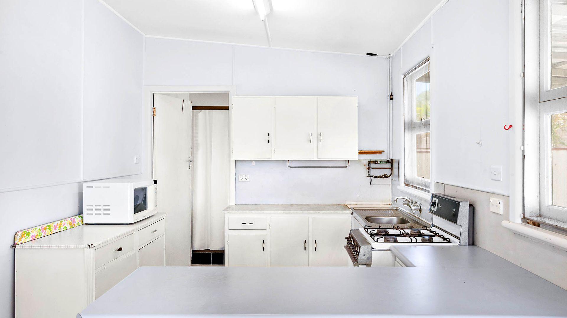 15 Leppington  Street, Wyong NSW 2259, Image 2