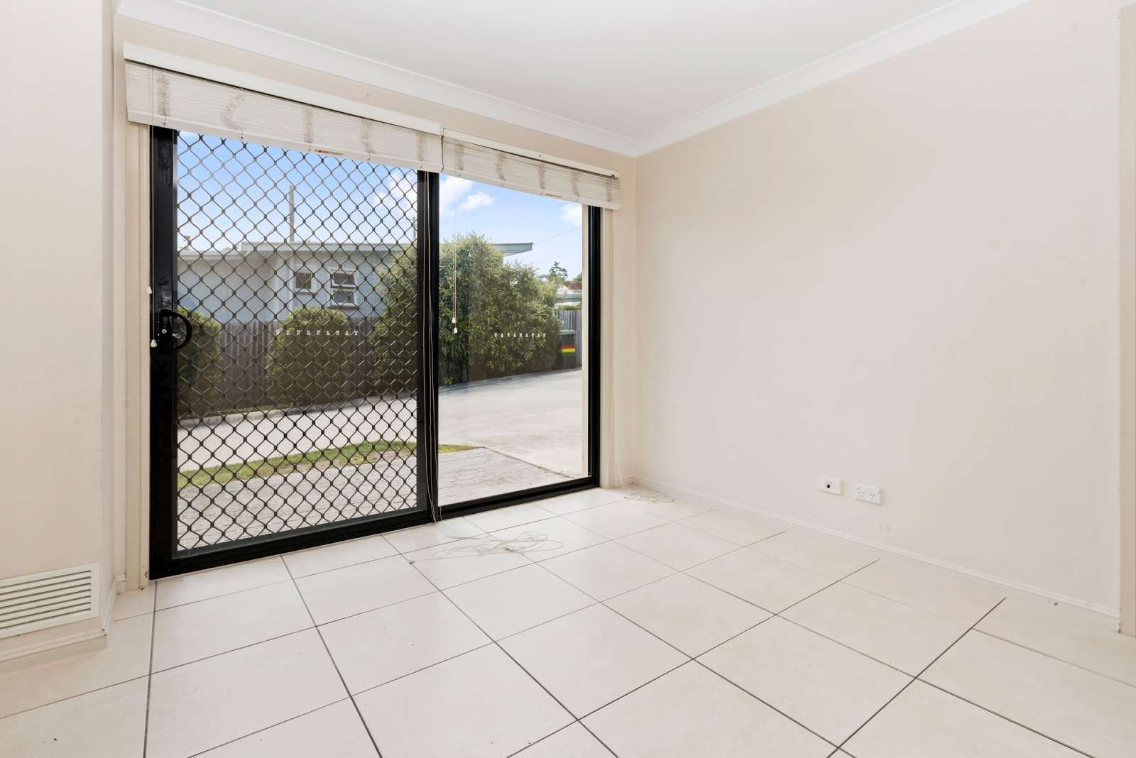 1/126 Logan Street, Eagleby QLD 4207, Image 2