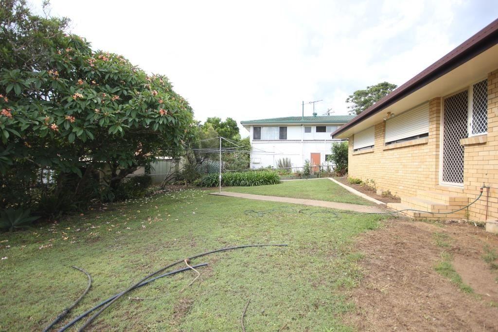 12 Westland St, Macgregor QLD 4109, Image 12