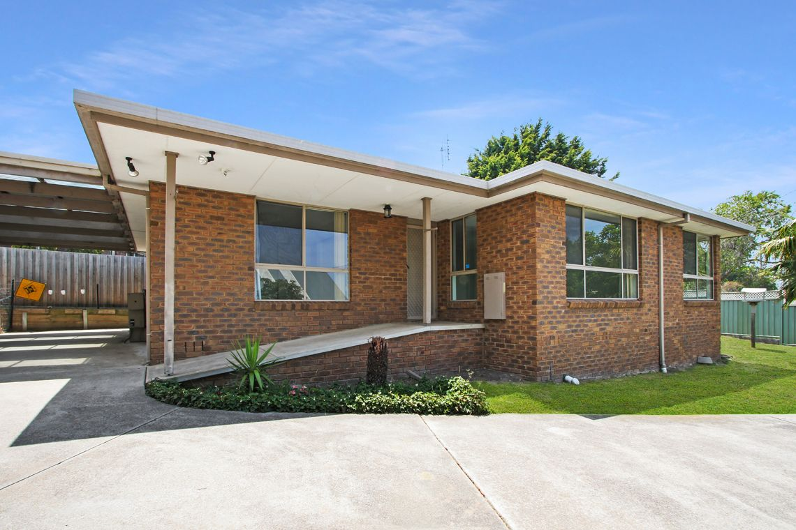 33 Grandview Road, Lakes Entrance VIC 3909, Image 1