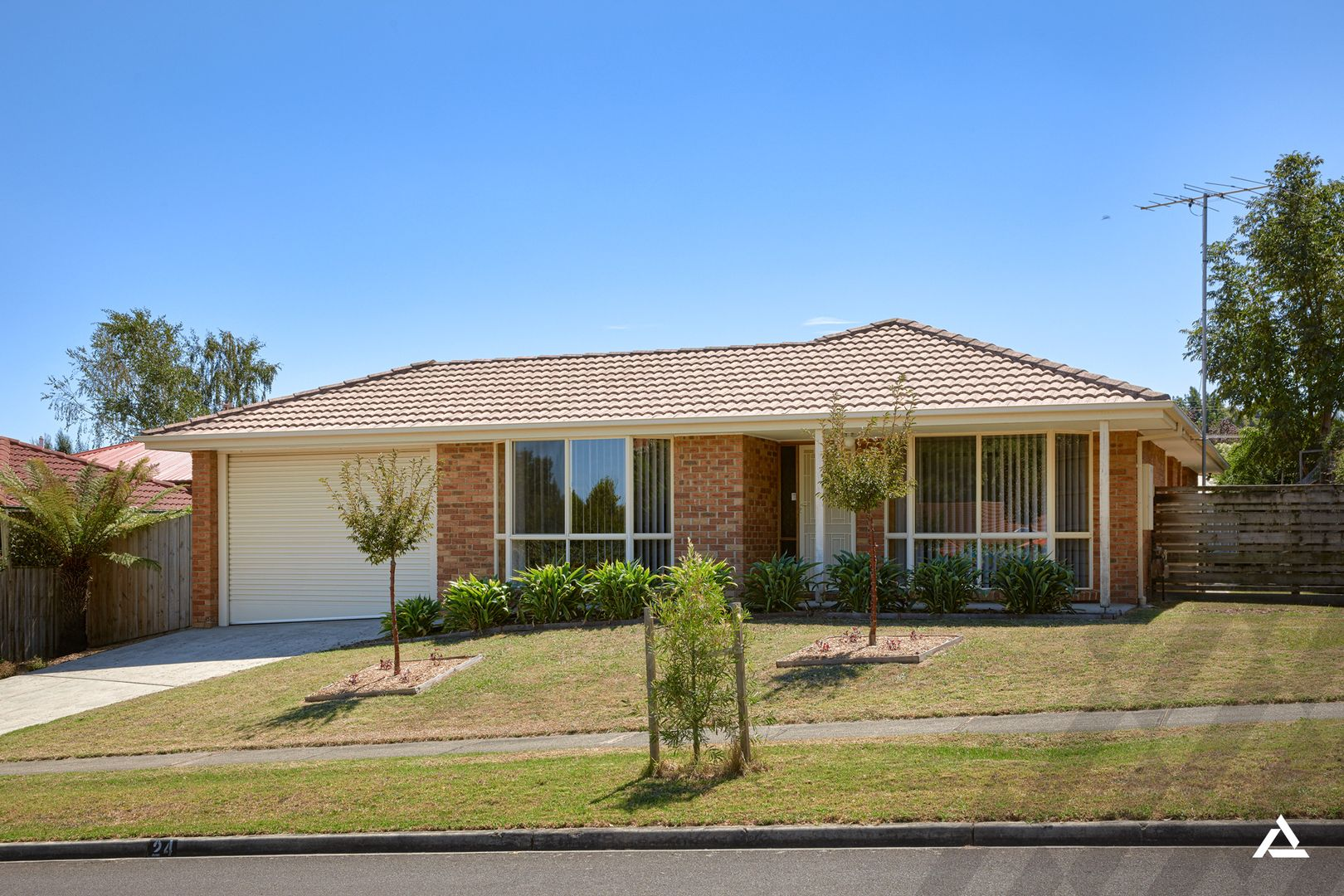 24 Adam Court, Drouin VIC 3818, Image 0