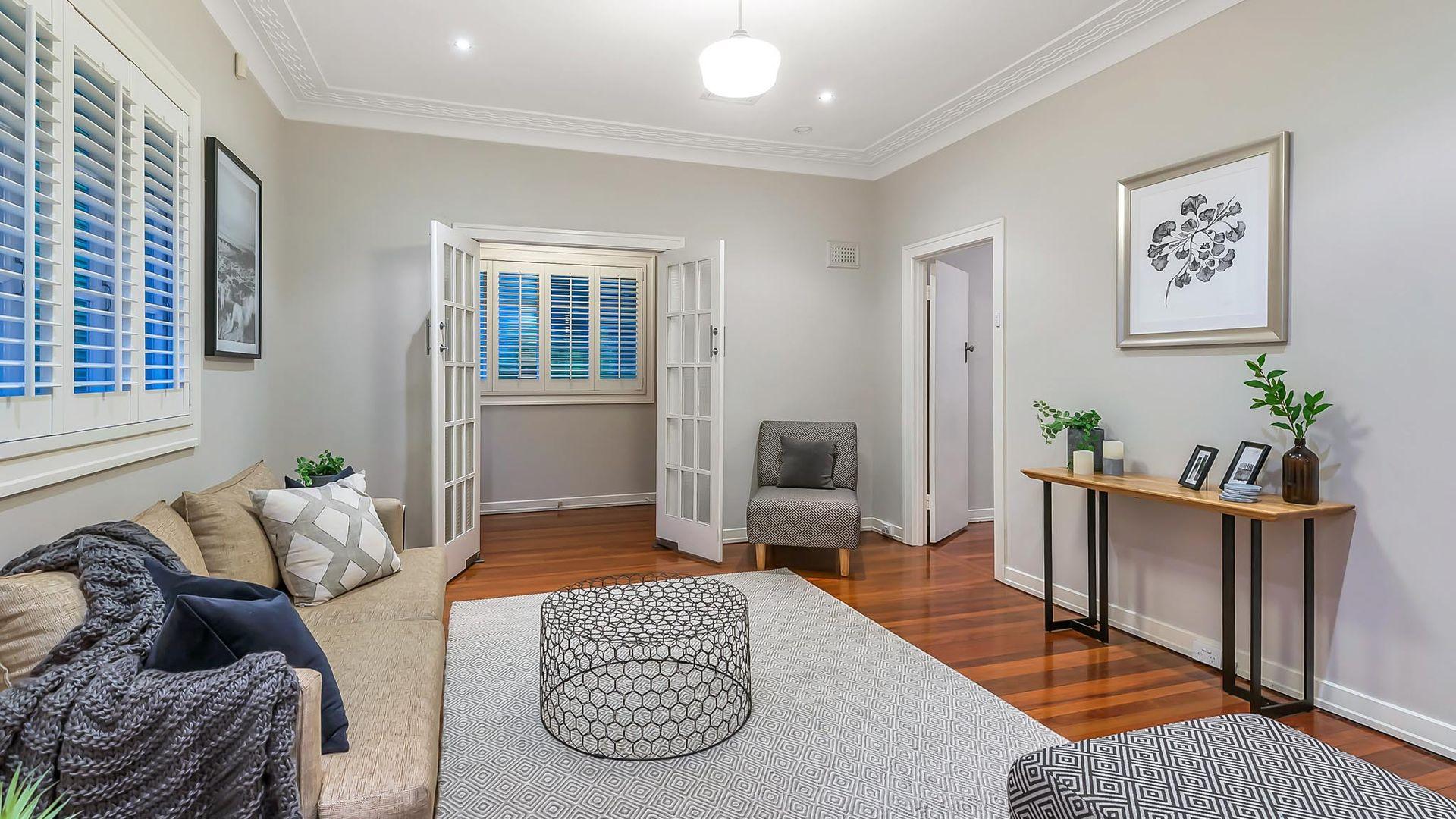44 Runic Street, Bardon QLD 4065, Image 2