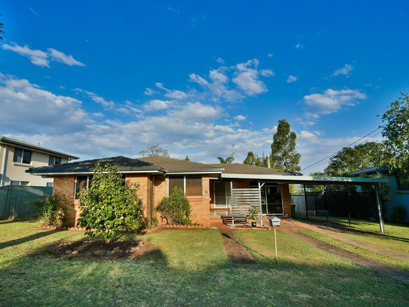 8 Raelyn Street, Centenary Heights QLD 4350, Image 0