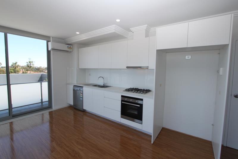 408/71 Gray Street, Kogarah NSW 2217, Image 2