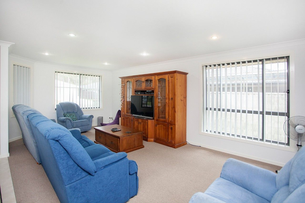 2/24 Albatross Way, Old Bar NSW 2430, Image 2