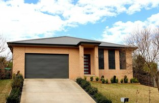 2 Bailes Crescent, Young NSW 2594