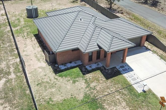 Picture of 15 BRADLEY STREET, GRENFELL NSW 2810
