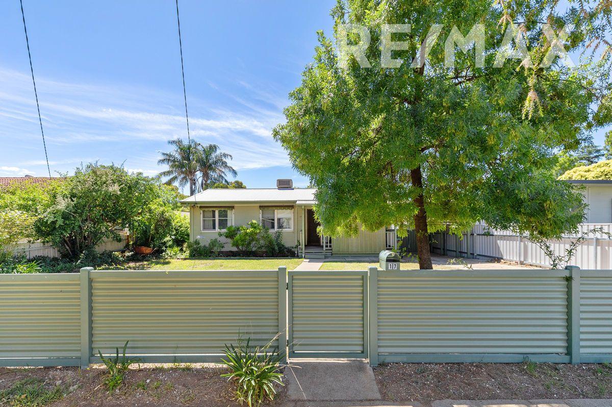 17 Tarakan Avenue, Ashmont NSW 2650, Image 0
