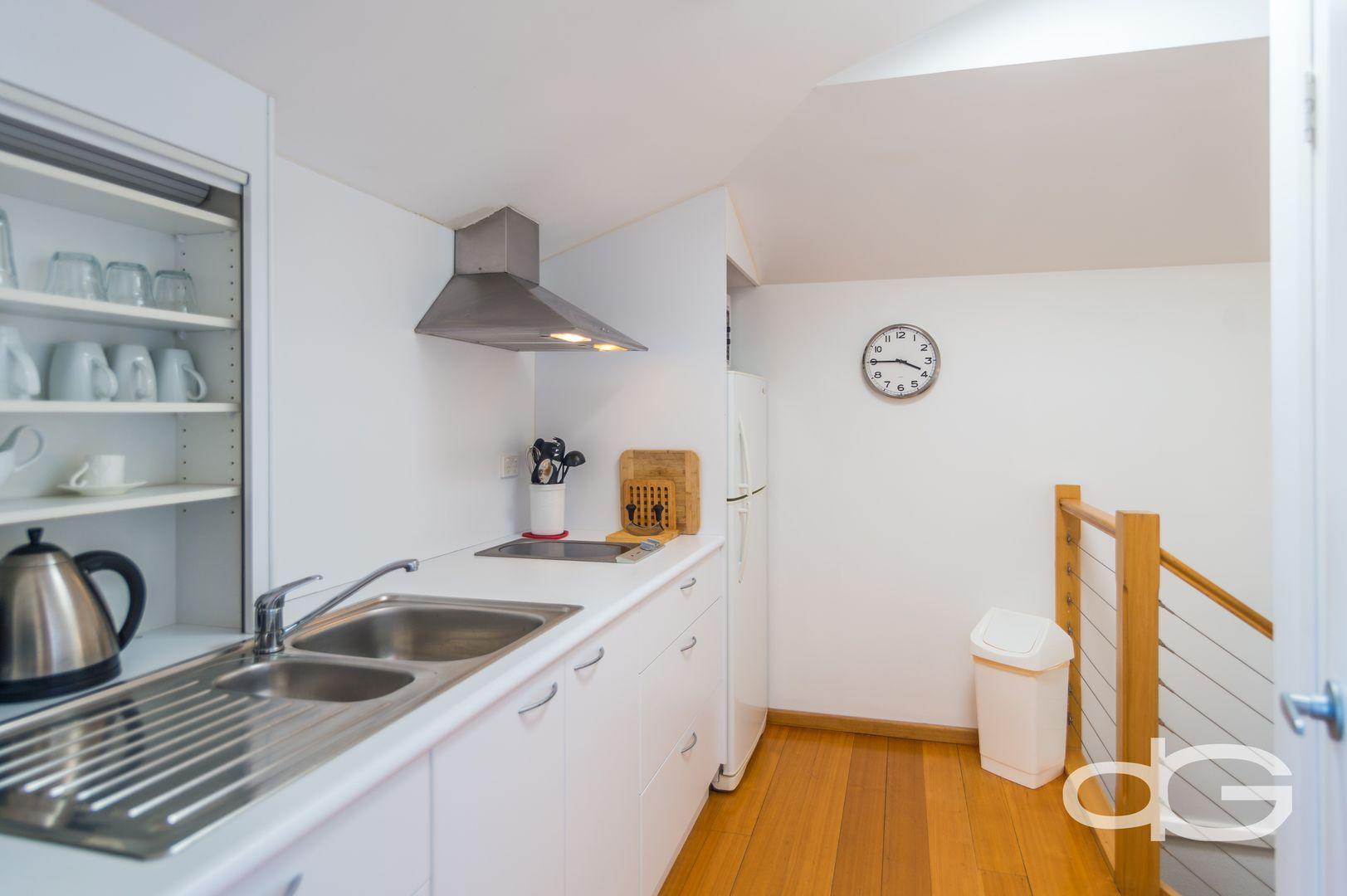 446A Hickory Street, South Fremantle WA 6162, Image 2