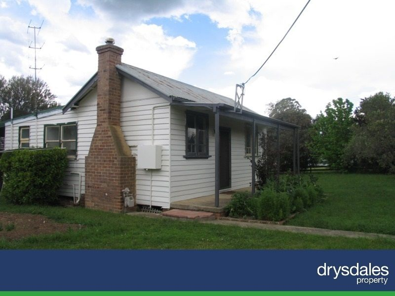 11 Beaconsfield Road, Moss Vale NSW 2577, Image 0