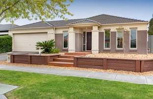 Picture of 25 Bradford Drive, Cranbourne East VIC 3977