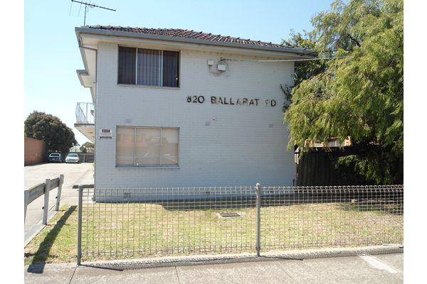 4/820 Ballarat Road, Deer Park VIC 3023, Image 0