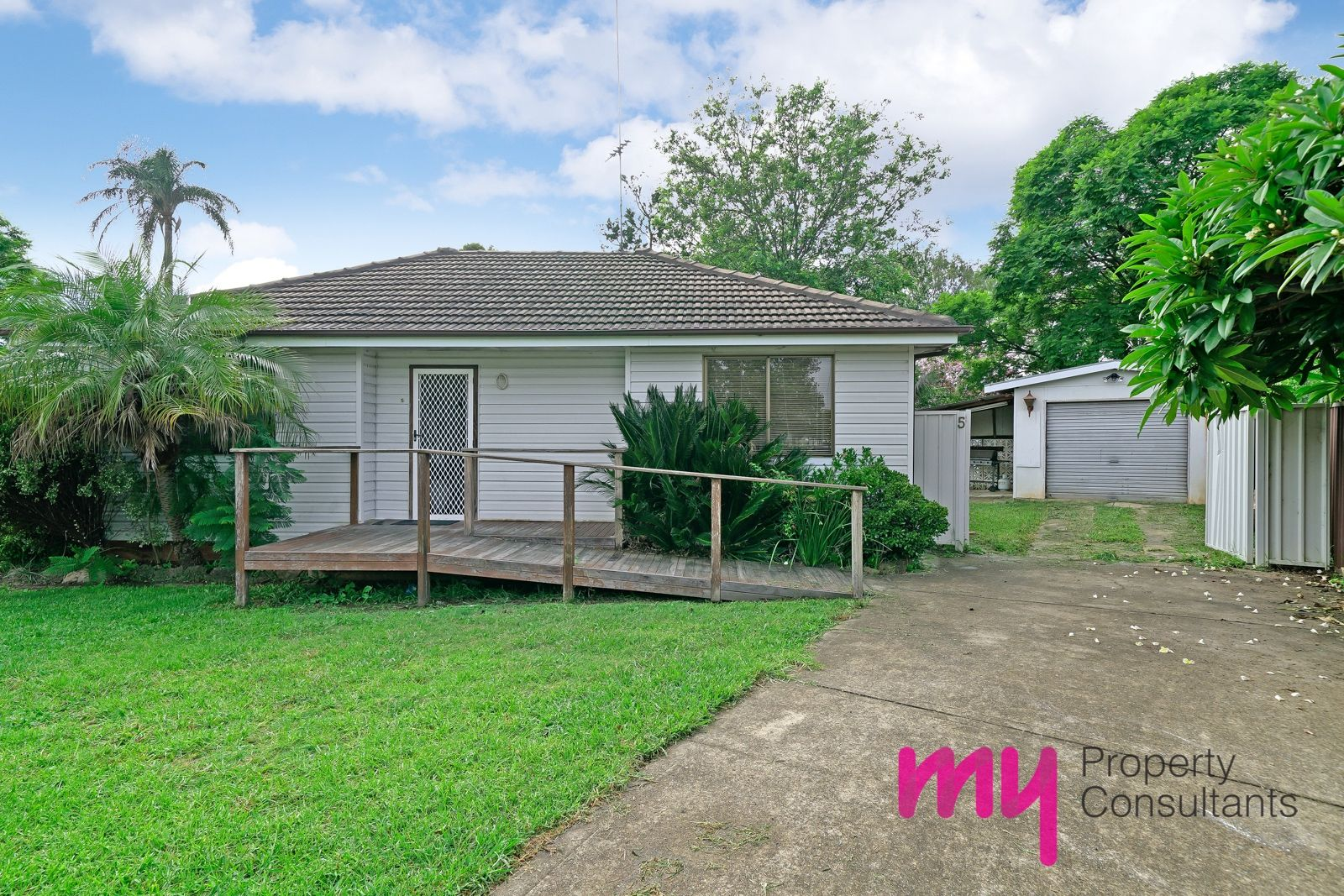 5 Seddon Place, Campbelltown NSW 2560, Image 1