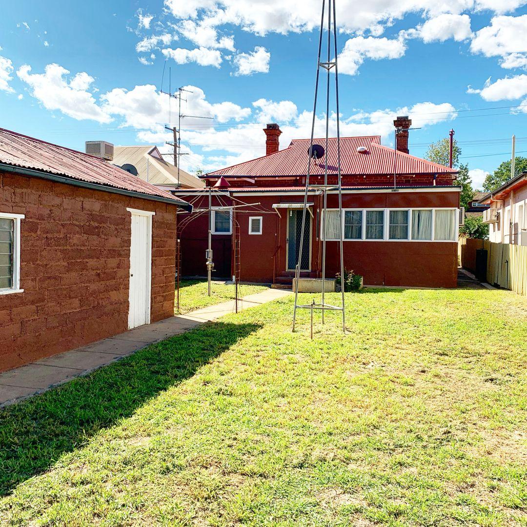 11 Vaux Street, Cowra NSW 2794, Image 1