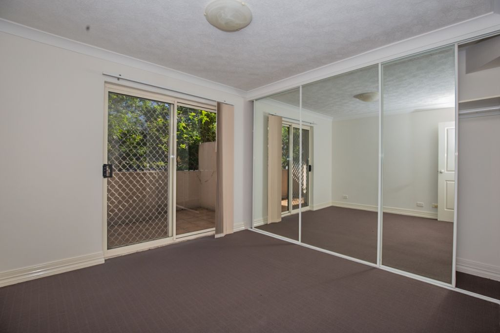 3/15 Cardross Street, Yeerongpilly QLD 4105, Image 2