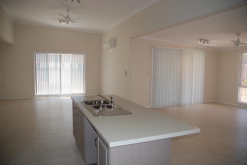 Minderoo Avenue, South Hedland WA 6722, Image 2