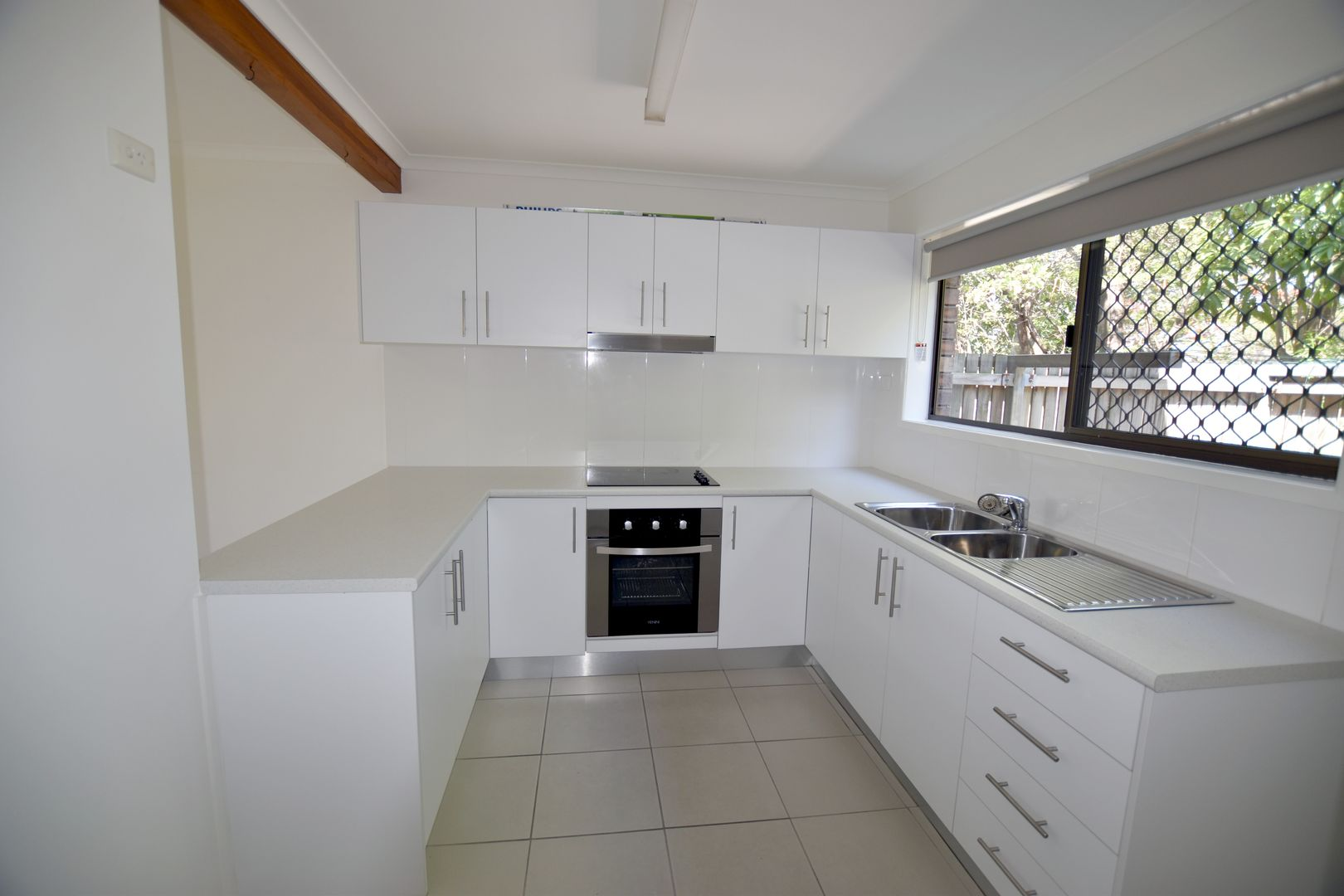 2/136 Oaka Lane, Gladstone Central QLD 4680, Image 0