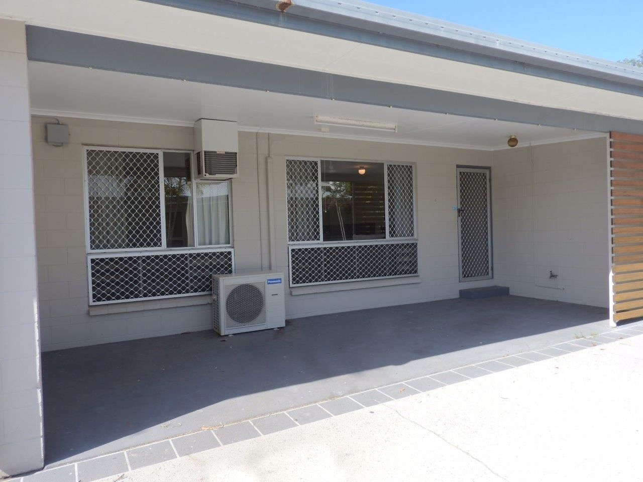 4/37 Hugh Street, West End QLD 4810, Image 2