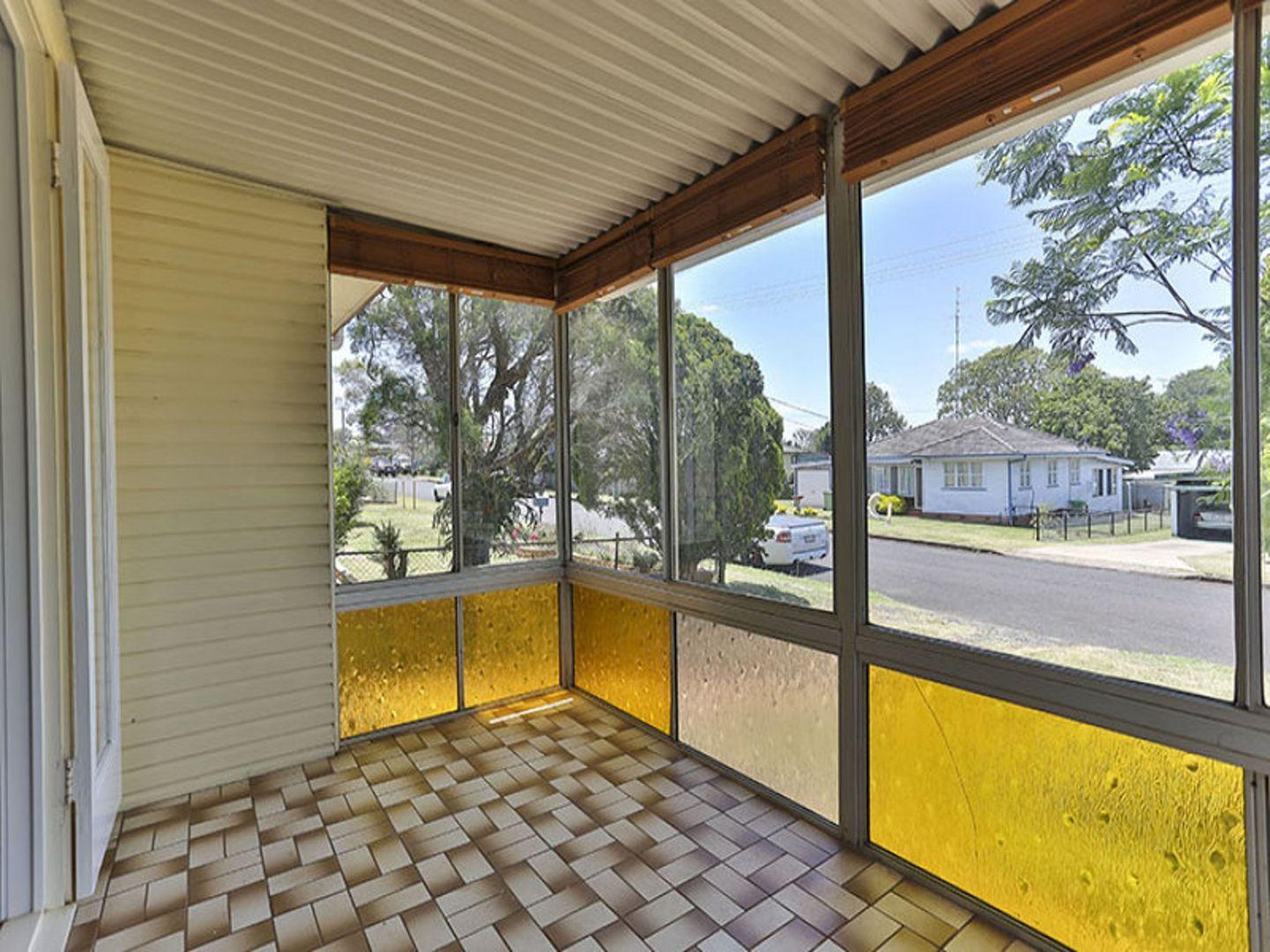 21 McCafferty Street, Wilsonton QLD 4350, Image 2