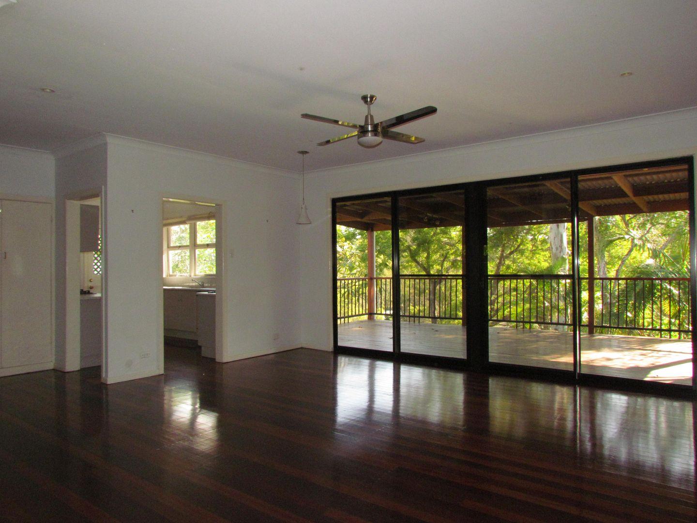 42 Blackheath Road, Oxley QLD 4075, Image 2