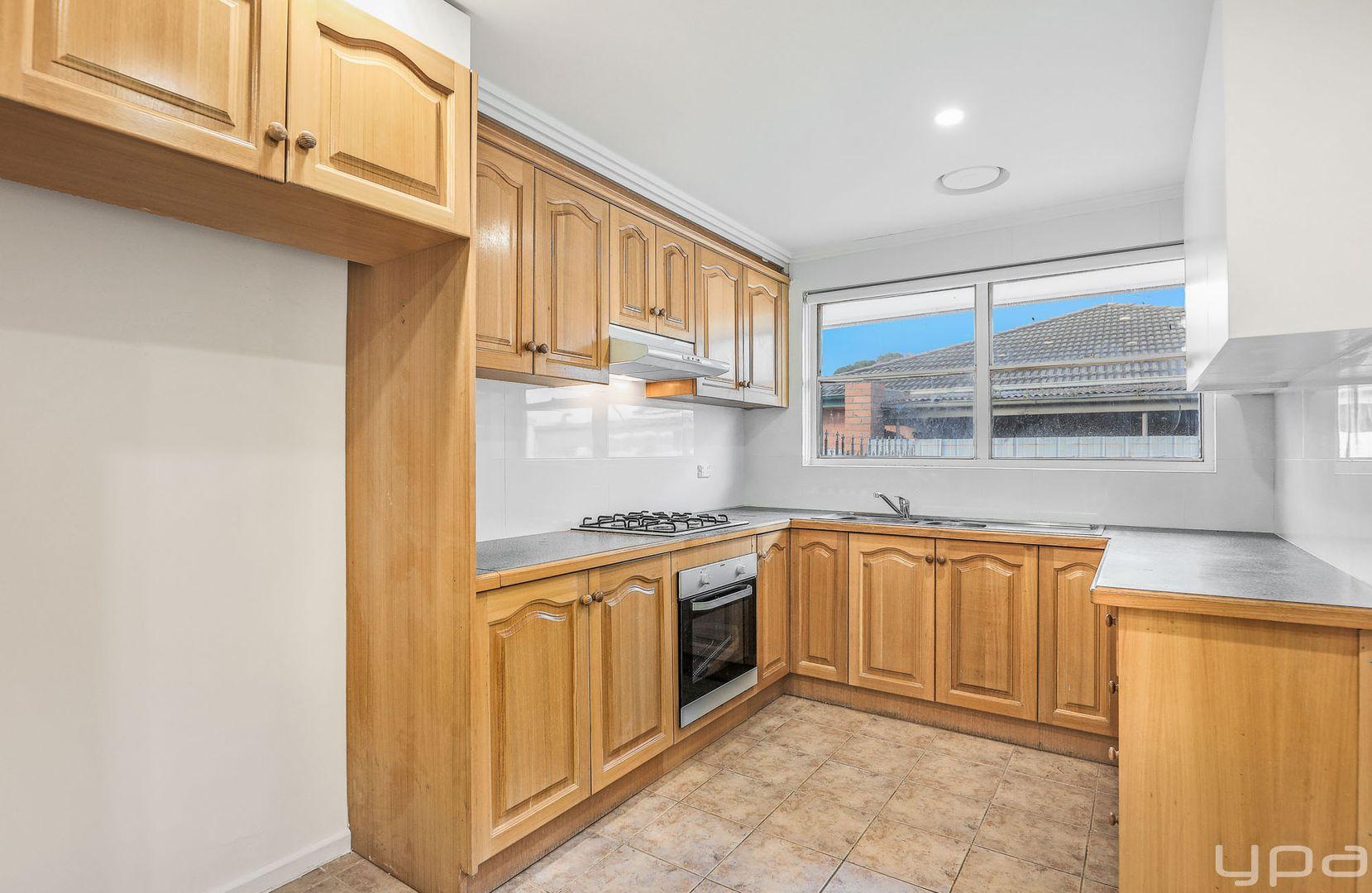 7 Pearson Crescent, Coolaroo VIC 3048, Image 2