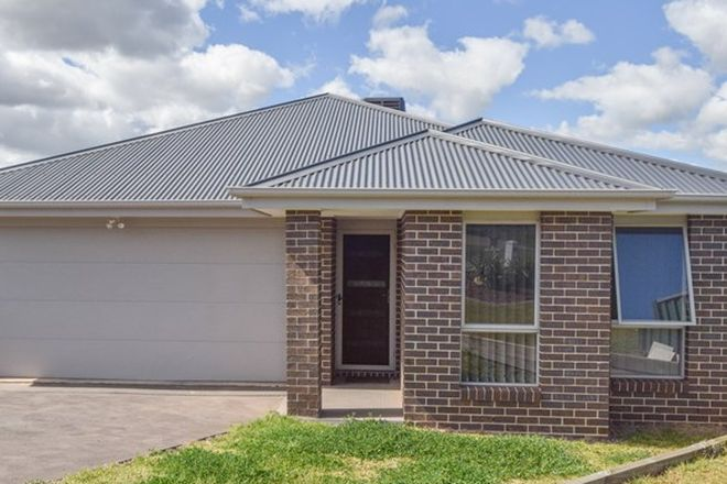 Picture of 15 Molloy Place, YOUNG NSW 2594