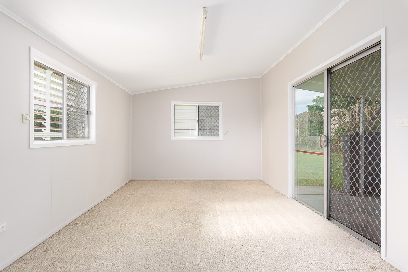 33 Bass Street, Tin Can Bay QLD 4580, Image 2