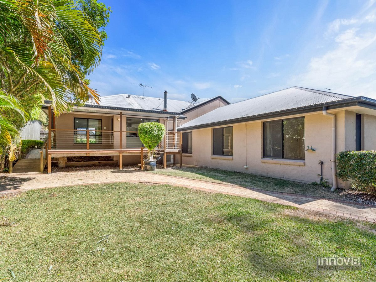 5 bedrooms House in 13 Brian Morrison Drive ALBANY CREEK QLD, 4035