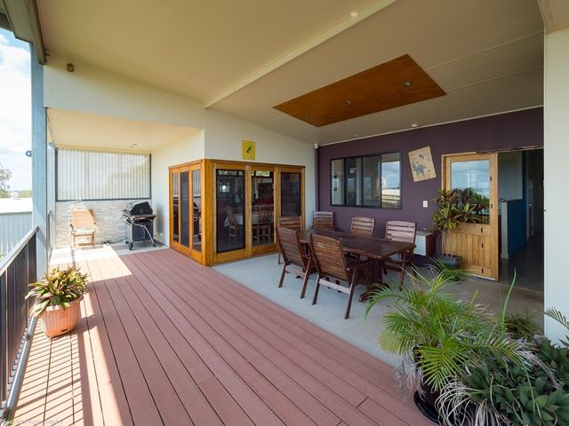 2/5 Blue Water Drive, Booral QLD 4655, Image 0