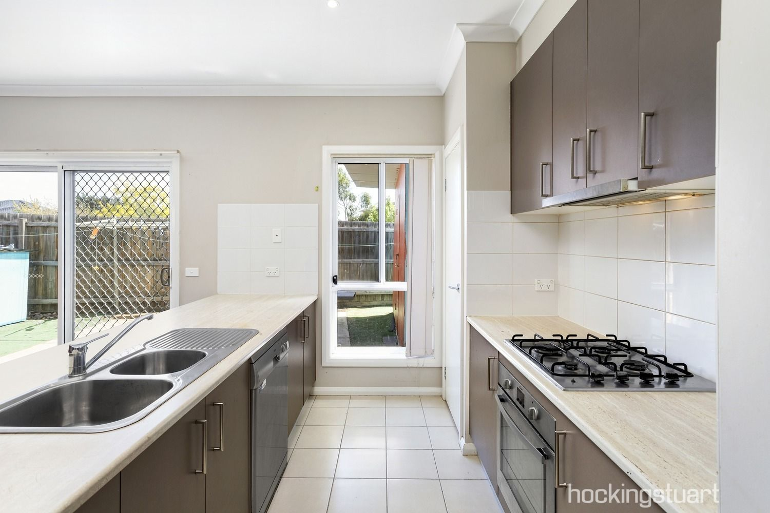 1/38 Galilee Boulevard, Harkness VIC 3337, Image 2