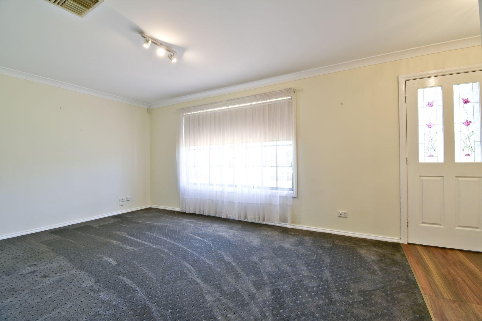 7 Castlereagh Ave, Dubbo NSW 2830, Image 1