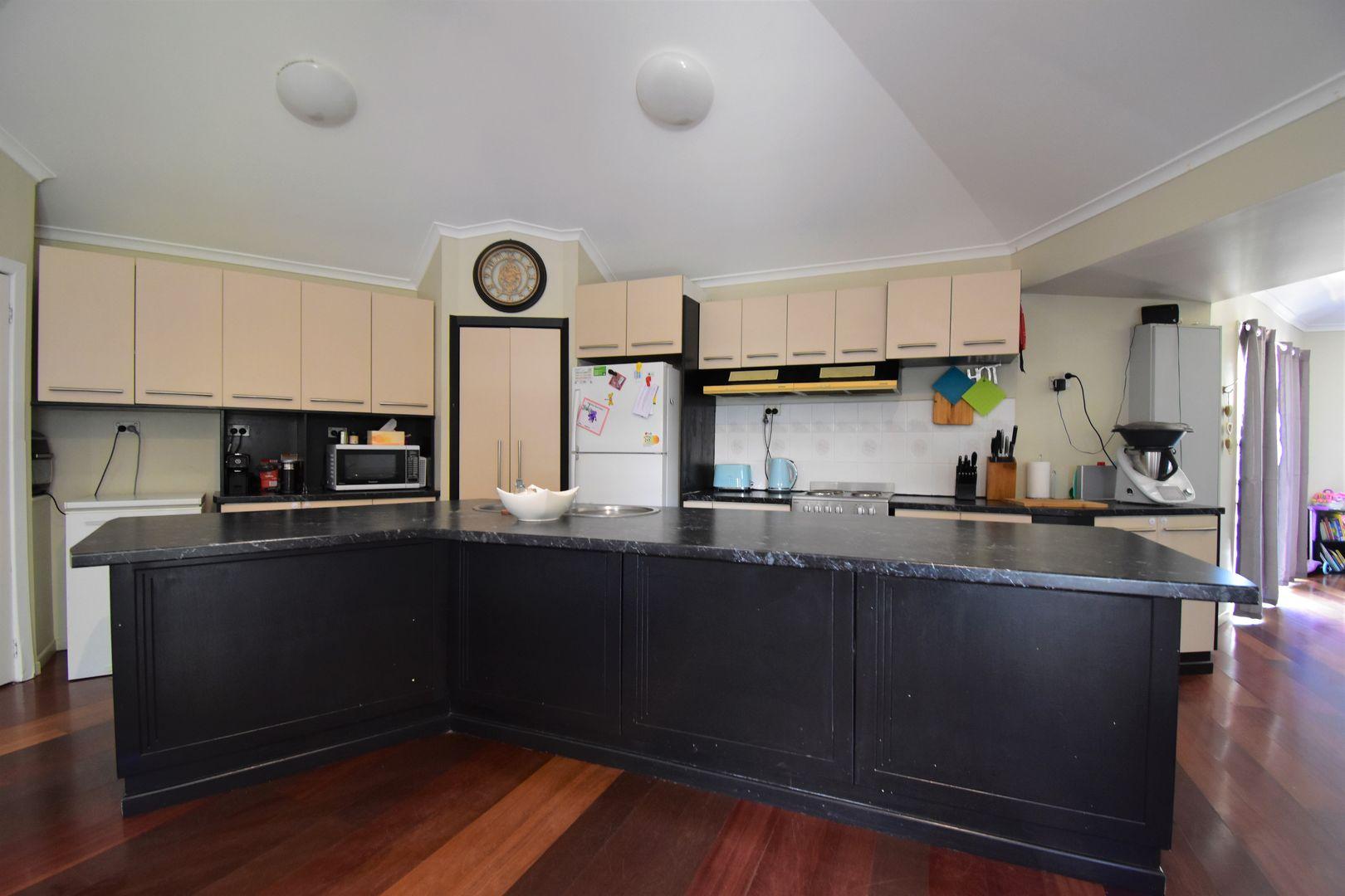 28 Miner Road, Longreach QLD 4730, Image 2