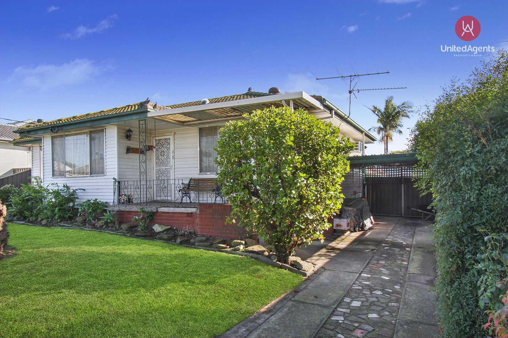 20 Brentwood Street, Fairfield West NSW 2165, Image 0