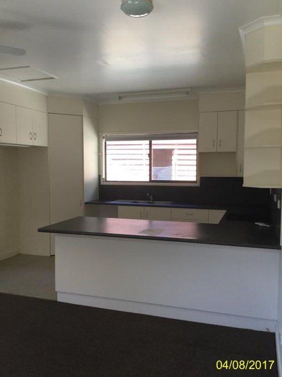 21 Walsh Avenue, Blackwater QLD 4717, Image 1