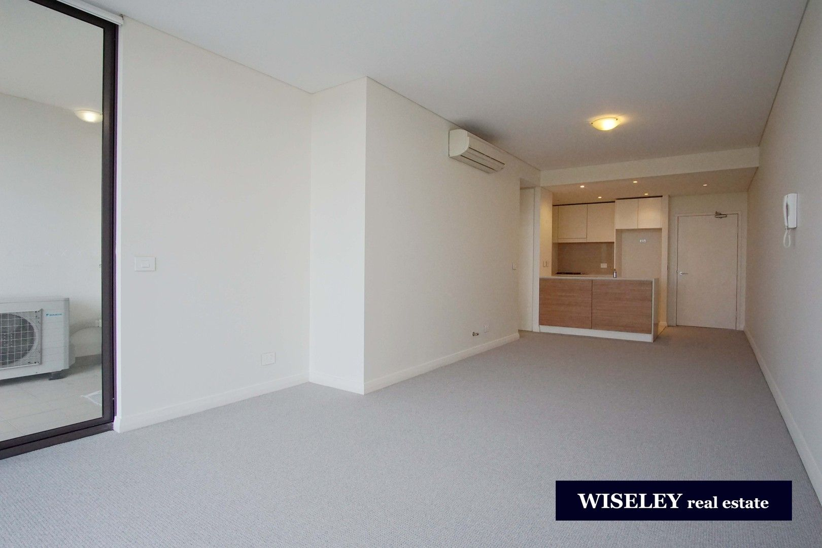 1 bedrooms Apartment / Unit / Flat in 706/25 Hill Road WENTWORTH POINT NSW, 2127