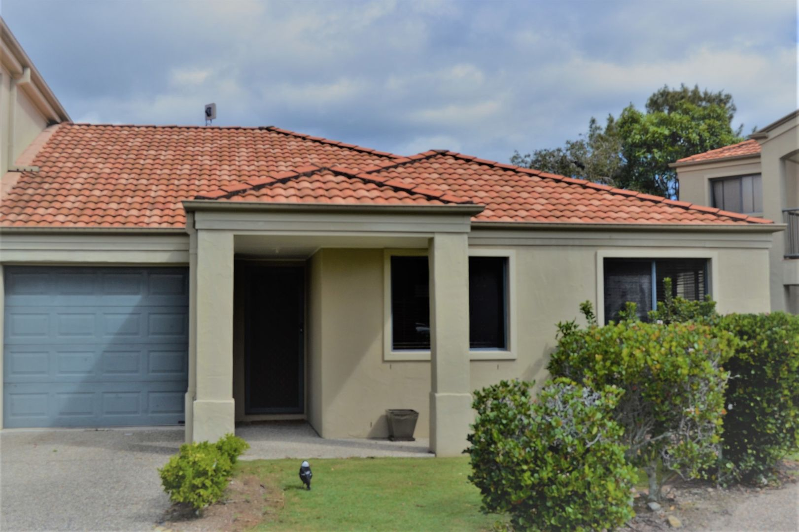 6/1 Santa Isobel Blvd, Pacific Pines QLD 4211, Image 0