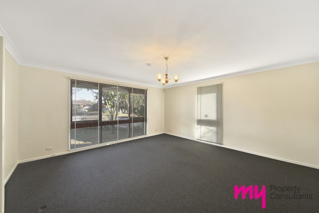11 Motu Place, Glenfield NSW 2167, Image 1