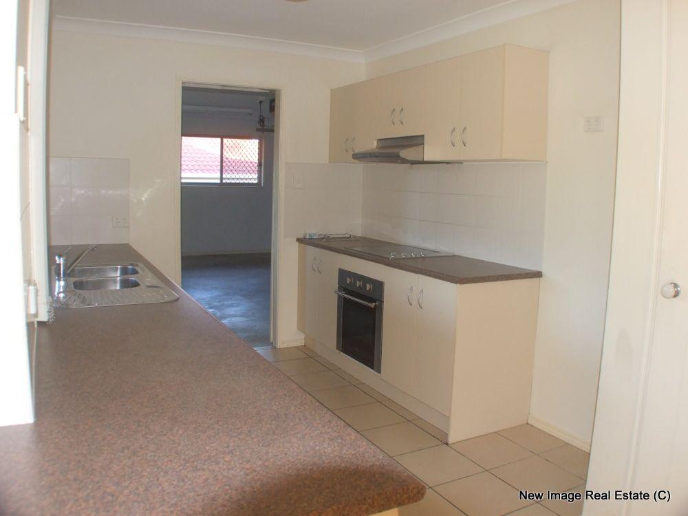 10 Highfields Ct, Loganlea QLD 4131, Image 2