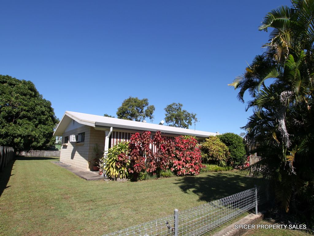 8 Melaleuca Drive, Tully Heads QLD 4854, Image 1