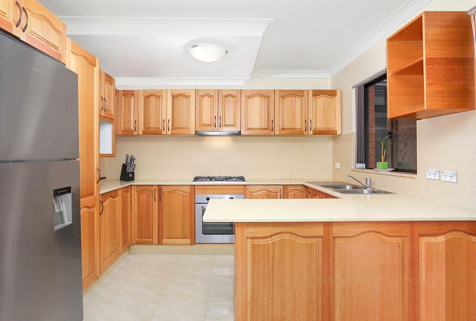 8/140 Greenacre Road, Greenacre NSW 2190, Image 2