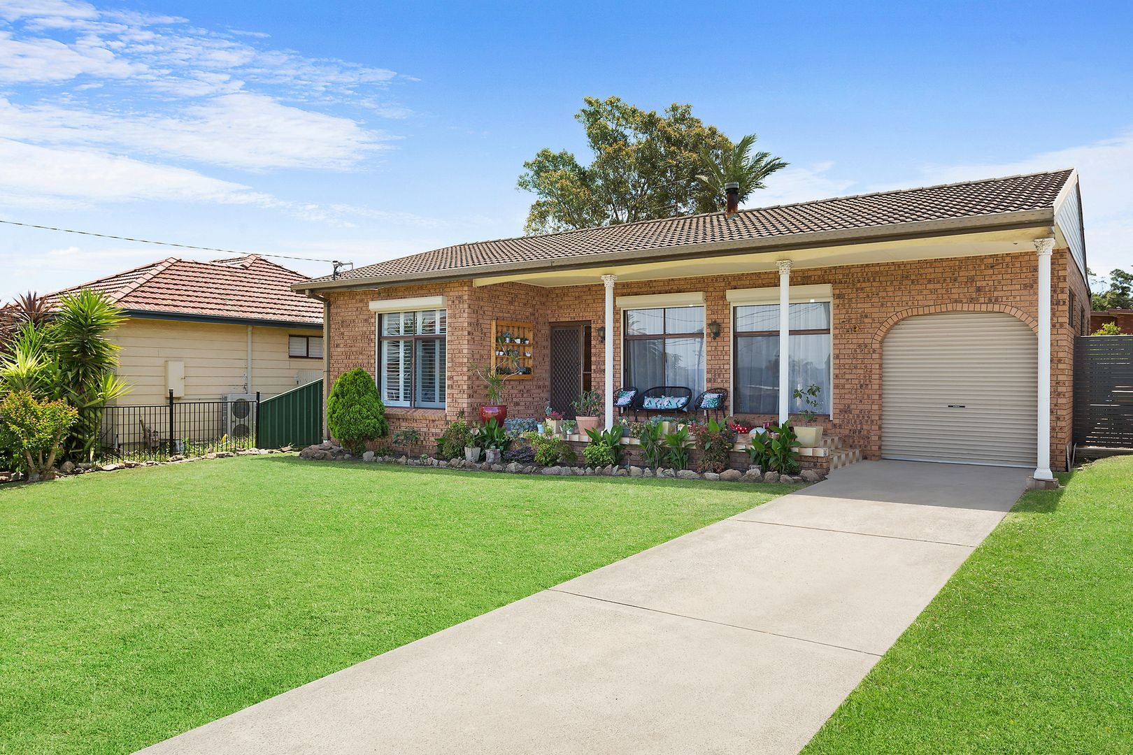 2 Arnold Crescent, Lake Heights NSW 2502, Image 0