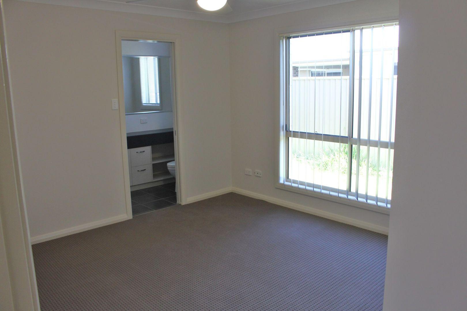 4/27 Price Street, Chinchilla QLD 4413, Image 2