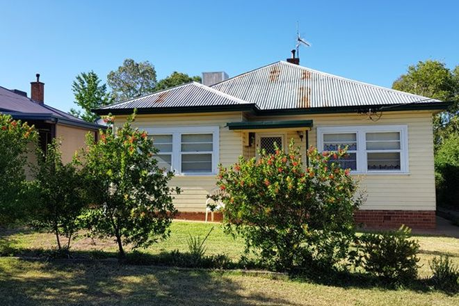 Picture of 125 Piper Street, TAMWORTH NSW 2340
